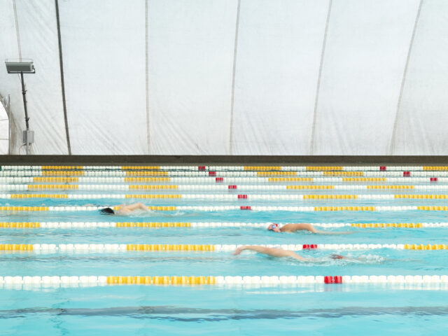 Iscrizioni corsi di nuoto piscina comunale  (pallone)